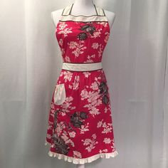 Anthropologie Halter Apron Halter top floral apron from Anthropologie. 100% cotton. Never been used and in as new condition. Anthropologie Accessories