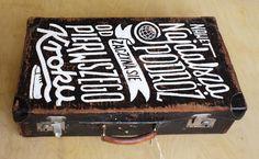 Piękne stare walizki przegrały ekonomiczno - technologiczny wyścig zbrojeń…