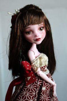 https://flic.kr/p/VqEwaF | Lily - custom OOAK Monster High Doll repaint | www.etsy.com/uk/listing/534640801/lily-custom-ooak-monste...