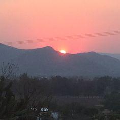 Puesta de sol, cerró de Orduña de Abajo en Comonfort, Gto., México