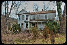 Love old uninhabitable homes ❤