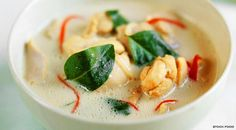 thai soup recipe with chicken, lime, coconut and ginger - http://www.finedininglovers.com/recipes/first-course/coconut-soup-chicken/
