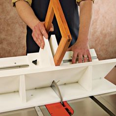 Table Saw Sled - Keyed Miters. Cut slots for splines in picture frames, boxes, anything with a mitered joint.