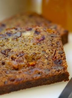 Pinner sez: Amazing Persimmon Bread: this pin is in remembrance of my friend Anne, who used to make the most wonderful things from persimmons and use me as a guinea pig to try them out on. Persimmon Cookies, Persimmon Recipes, Persimmon Pudding, Just Desserts, Delicious Desserts, Dessert Recipes, Yummy Food, Potluck Desserts, Healthy Foods