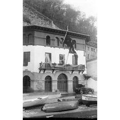 1927 (CA.)CASA INAUGURADA EN EL MUELLE DE SAN SEBASTIÁN PARA PÓSITO DE PESCADORES.-El Pósito sirvió de escuela pública, de teatro, de cine, sala de baile, emisora de radio, escuela de música, de local de entidades, de mercado del pescado y mercado municipal.-: Descarga y compra fotografías históricas en | abcfoto.abc.es