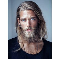 Ben Dahlhaus by Esra Sam