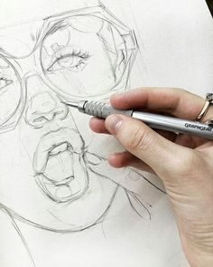 Pencil Art Want to practice sketching more faces - Portrait Draw, Pencil Portrait, Pencil Art, Pencil Drawings, Art Drawings, Art Et Design, Arte Sketchbook, Art Tips, Drawing People
