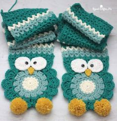 Crochet Owl Super Scarf - Repeat Crafter Me Poncho Au Crochet, Crochet Poncho Patterns, Crochet Scarves, Crochet Hooks, Knitting Patterns, Hat Patterns, Knitting Tutorials, Crochet Granny, Free Knitting