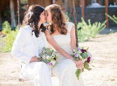 De acordo o relatório Estatísticas do Registro Civil 2014, que o IBGE divulgou nesta segunda-feira (30), o número de registros de casamento entre pessoas do mesmo sexo cresceu 31,2% de 2013 para 2014 no Brasil.