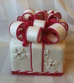 Christmas Cake ~ all edible