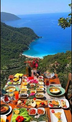 Vacation Places, Vacation Trips, Dream Vacations, Beautiful Places To Travel, Beautiful World, Breakfast Presentation, Sleepover Food, Travel Words, Summer Photography