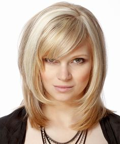 Women Formal Medium hairstyles with bangs