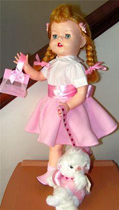 Simply Gorgeous Vintage Hard Plastic Pedigree Doll Z Old Dolls, Antique Dolls, Vintage Dolls, Pretty Dolls, Beautiful Dolls, Girl Dolls, Baby Dolls, Plastic Girl, Dolly World