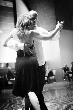 ellos sí que realmente están bailando Tango