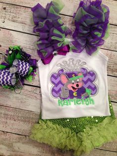 Chuck e cheese outfit with matching bow & shorts! http:/facebook.com/popzybows