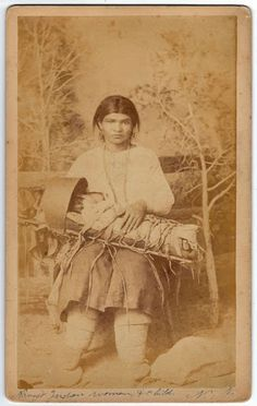 Navajo people Native American Photos, Native American Tribes, Native American History, Native Americans, Navajo Art, People Of Interest, Native Indian, First Nations, Navajo Women