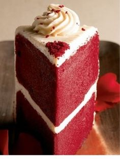 Red Velvet Cake w/ Cream Cheese Frosting . oh yum! Red velvet cake is the best! Red Velvet Cake Rezept, Best Red Velvet Cake, Red Cake, Red Velvet Cakes, Southern Red Velvet Cake, Red Velvet Birthday Cake, Red Velvet Wedding Cake, Cake Birthday, Yummy Treats