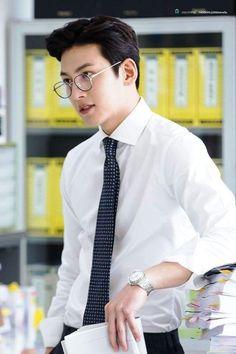 Ji Chang Wook Smile, Ji Chang Wook Healer, Ji Chan Wook, Dong Hae, Lee Dong Wook, Hot Korean Guys, Korean Men, Asian Actors, Korean Actors