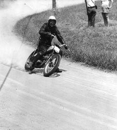 Bob (Bobby) Schulteti Flat Track racing his #Harley in 1958