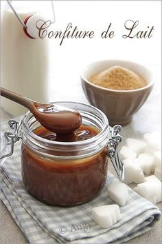 Milk jam (homemade) - Sugar and salt from Angy- Confiture de lait (fait maison) – Sucre et sel d'Angy MILK JAM liter of whole milk, 350 g of … - Toffee Bark, Compote Recipe, Fruit Jam, Dessert Decoration, Food Menu, Sweet Recipes, Chutney, Sweet Tooth, Food And Drink