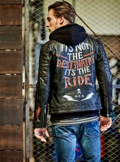 Motorcycle Style, Biker Style, Motorcycle Jacket, Sleeveless Denim Jackets, Painted Leather Jacket, Biker Chic, Denim Jacket Men, Biker Leather, Lady Biker