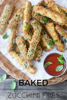 Healthy Baked Zucchini Fries are just like your favorite restaurant appetizer, without the extra calories! | theviewfromgreati...