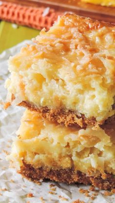 For world thinking Day- any tropical dessert will do. PIÑA COLADA BARS RECIPE ~ Piña coladas never tasted so good! These tropical pineapple and coconut bars are the answer to your summer sweet tooth. Köstliche Desserts, Summer Desserts, Delicious Desserts, Yummy Food, Tropical Desserts, Hawaiian Desserts, Cake Bars, Dessert Bars, Coconut Recipes