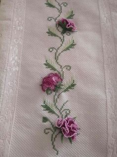 1698588e789ed9ff6fef906ec3085aa4.jpg 714×960 piksel Needle And Thread, Needle Lace, Silk Ribbon Embroidery, Embroidery Applique, Embroidery Patterns, Cross Stitch Embroidery, Hairpin Lace, Crochet Leaves, Lace Making