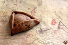 Jack Sparrow's Pirate Hat COOKIE and the treasure inside is a peanut butter cup! oh @Mel Easton