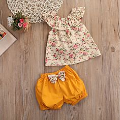 Ensemble bébé fille liberty – Outfit Ideas for Girls Girls Summer Outfits, Baby Outfits, Short Outfits, Toddler Outfits, Kids Outfits, Summer Dresses, Fashion Kids, Little Girl Fashion, Style Fashion