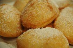 Recipes from Bulgaria: Mekitsi (Fried Pastry Dough) Famous Crab Cake Recipe, Bulgaria Food, Bulgarian Recipes, Yogurt Cups, Crab Cakes, Sweet Treats, Snacks, Cooking, Ethnic Recipes