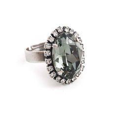 Koop deze fonkelende grijze ring met Swarovski Elements kristal bij Aurora Patina, de leukste sieraden webshop van Nederland!