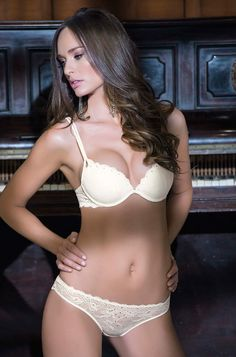 Lucy Lingerie . Alicia- Ref: SBOUP1212 - Super push up bra with moulded cup – Size: 32-34-36 cups B C D- 38 cups B C – Material: Lace - Polyamide/Polyester/Elastane/66/30/4 - Color: Off white.  Ref: BC1212 – Brief – Size: S-M-L-XL - Material: Lace- Polyamide/Elastane/Cotton/92/8/100 internal linning - Color: Off white