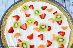Make this delicious Sugar Cookie Fruit Pizza and you will not be disappointed! This Easy Fruit Pizza Recipe is amazing! You will love this fruit pizza with sugar cookie crust. Fruit pizza recipe sugar cookie will be a hit. Fruit Pizza Frosting, Fruit Pizza Bar, Easy Fruit Pizza, Sugar Cookie Icing, Sugar Cookies Recipe, Cookie Pizza, Cookie Crust, Sour Cream And Onion, Cream Cheese Recipes