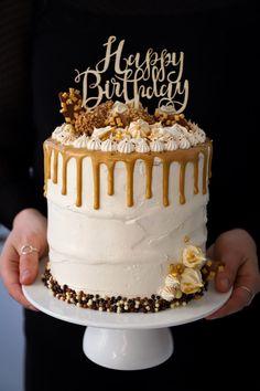 Queens Birthday Cake, Fancy Birthday Cakes, Cupcake Birthday Cake, Birthday Cake Decorating, Carrot Cake Decoration, Buttercream Birthday Cake, Birtday Cake, Fancy Desserts, Pie Cake
