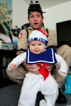 I think this is my favorite Halloween costume I've seen yet! So cute!!