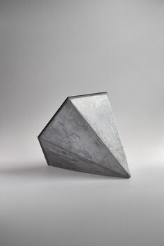 Hexagonal Concrete Desk-top Mirror spacecraft / design + technology