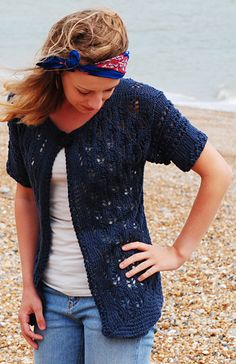 Indigo cones cardigan : Knitty First Fall 2014 - love this sweater! The open lace makes it a nice option for desert dwellers. Cardigan Pattern, Sweater Knitting Patterns, Knit Patterns, Knit Cardigan, Summer Knitting, Free Knitting, I Cord, Knit Or Crochet, Crochet Sweaters