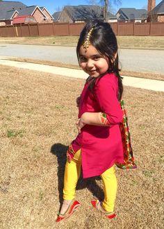 Phulkari suit for girls Baby Kind, Cute Baby Girl, Cute Babies, Baby Girl Dresses, Baby Dress, Girl Outfits, Little Girl Fashion, Kids Fashion, Kids Ethnic Wear
