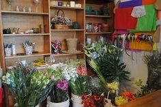 Seis lugares únicos para comprar plantas y flores  Las flores empaquetadas, recién llegadas del mercado de flores.  /Cecilia Wall