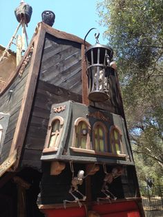 Pirate Ship stern with broken entry and skeleton decor by Tiny Town Studios