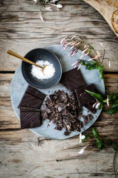 ROSE & IVY JOURNAL FLOURLESS CHOCOLATE OATMEAL COOKIES