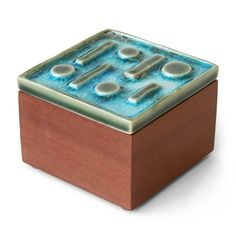 ravello small box.   small quick project.  add lid with lip, smooth, decorate with texture and glaze
