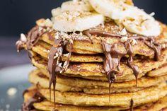 Lækre og sunde amerikanske pandekager lavet på havregryn - Få vores opskrift her Waffles, Pancakes, Sweets, Breakfast, Food, Marmalade, Morning Coffee, Gummi Candy, Candy