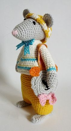 Blog devoted to mouse softies.