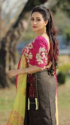 Happiness and smile ❤🐵 Beautiful Girl Indian, Most Beautiful Indian Actress, Beautiful Saree, Cute Beauty, Beauty Full Girl, Beauty Women, India Beauty, Asian Beauty, Fashion Week