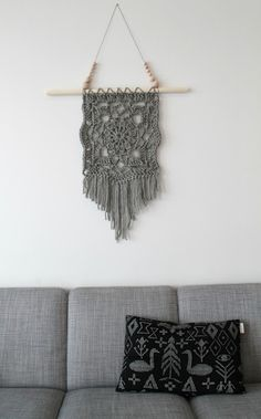Lämmin ilo: Virkattu seinävaate Dream Catcher, Macrame, Knit Crochet, Weaving, House Design, Diy Crafts, Crafty, Blanket, Knitting