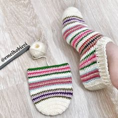 The Effective Pictures We Offer You About babyschuhe sitricken russisch A quality picture can tell y Free Crochet Bootie Patterns, Crochet Slipper Pattern, Knitting Patterns Free, Crochet Boots, Crochet Clothes, Easy Crochet, Knit Crochet, Crochet Decoration, Knitted Slippers