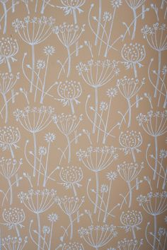 Tussock patterned paint roller by patternedpaintroller on Etsy Modern Wallpaper, Flower Wallpaper, Of Wallpaper, Pattern Wallpaper, Diy Wall Painting, House Painting, Patterned Paint Rollers, Wars Of The Roses, Paint Effects