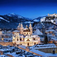 Is there anywhere that doesn't look more beautiful under a blanket of snow? Who's been to #Salzburg #austria, and who wants to go after seeing this picture?! ❄️⛄️☃ ❄️ #ryanair #cityscape #twilight #snow #winter #city #Travel #travelgram #travelling #instatravel #europe #österreich